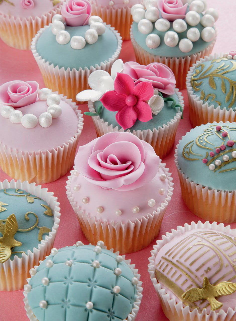 Pearl Cupcakes Brilliant Jewel 500 Piece Jigsaw Puzzle