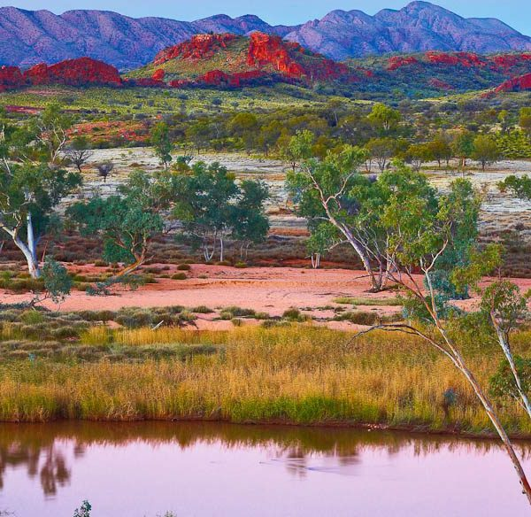 Ken Duncan – Outback Splendour, Finke River, NT 2000 Piece Puzzle