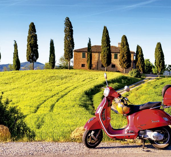 Scooter in Toscana 1500 Piece Educa Puzzle