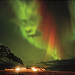 Angry Aurora, Iceland by Tom Mackie [1000 Piece Puzzle from Crown & Andrews]