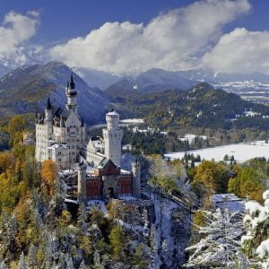 Neuschwanstein Castle in Winter 3000 Piece Puzzle - Ravensburger