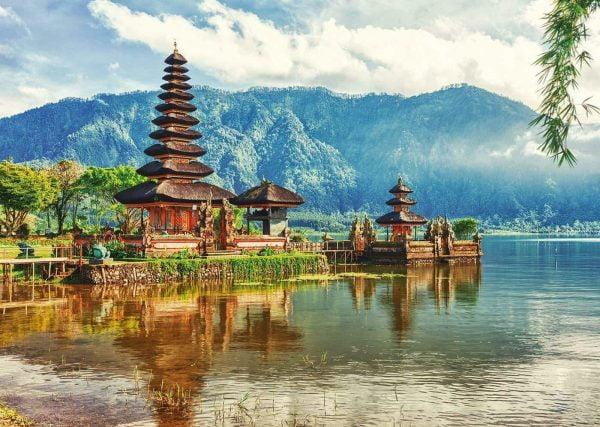 Temple Ulun Danu Bali Indonesia 2000 Piece Jigsaw Puzzle - Educa