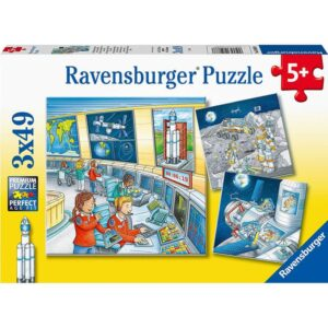 Tom & Mia go on a Space Mission 3 x 49 Piece Puzzle - Ravensburger